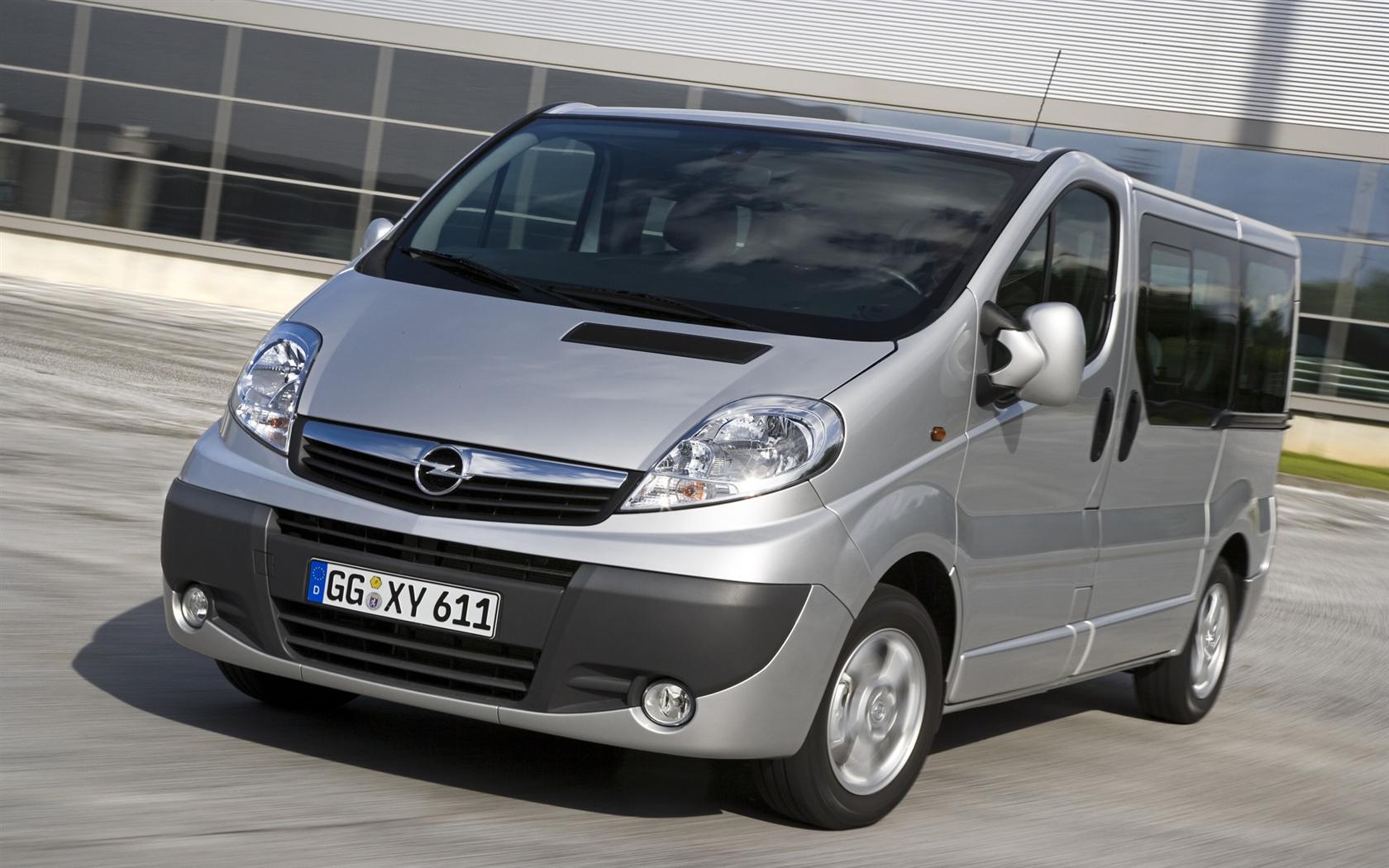 Noleggio Pulmino Opel Vivaro Cesena  Noleggio Autocoming