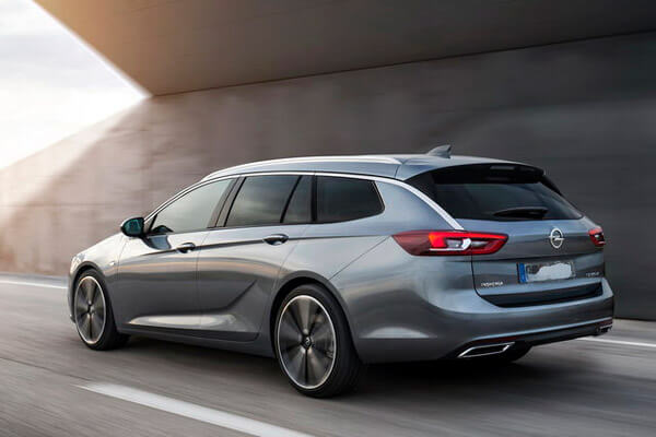 Noleggio lungo termine Opel Insignia Cosmo