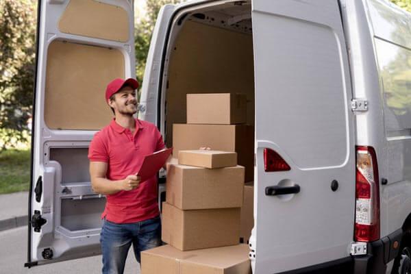 Noleggio furgoni trasporto merci